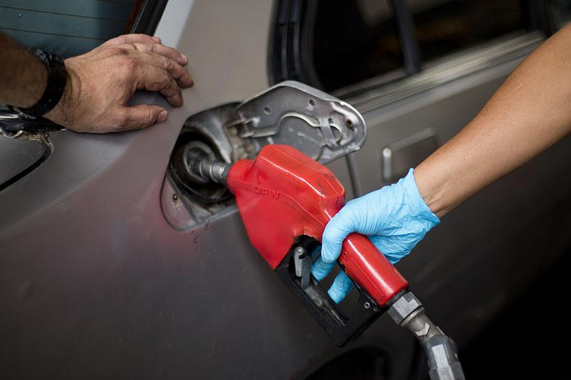 Dizel u benzinca, benzin u dizelaša: Šta se desi kada napravite pogrešku (VIDEO)