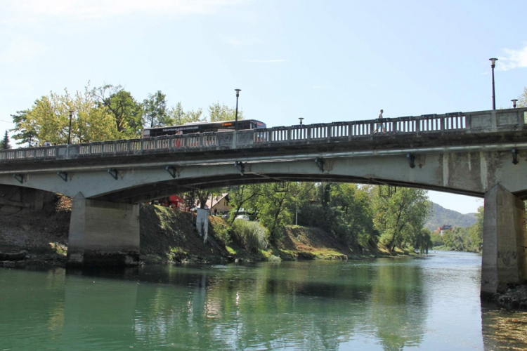 Danas obustava saobraćaja preko Gradskog mosta