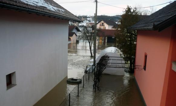 Prnjavor: Izlile se rijeke, u prekidu je saobraćaj prema Čelincu i Banjaluci