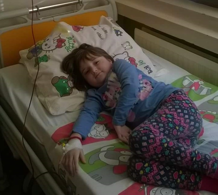 Tea Musić, šestogodišnja djevojčica iz Banjaluke boluje od AKUTNE LIMFOBLASTNE LEUKEMIJE.