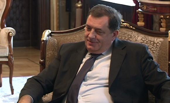 Dodik: Tražimo da svaki policajac ima dugu pušku