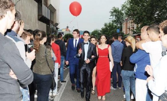 Pomodarstvo banjalučkih srednjoškolaca: Pripreme za maturu kao za vjenčanje