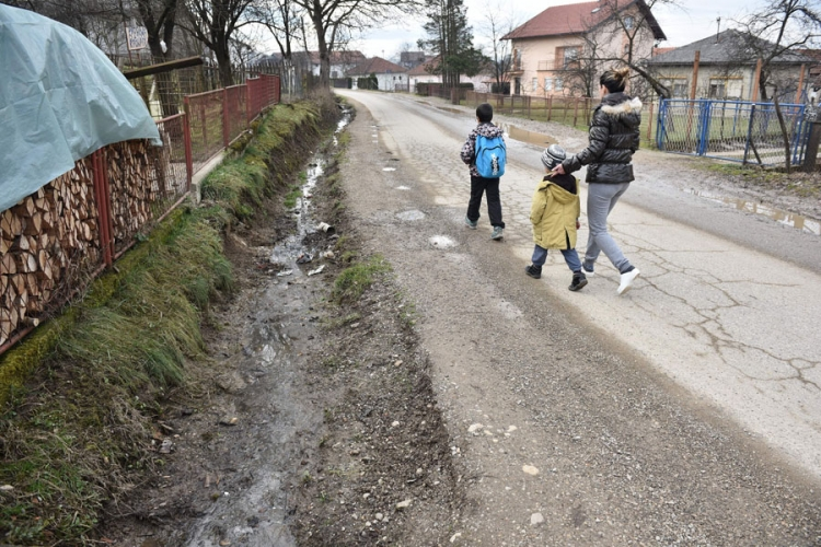 Banjaluka: Otpadne vode se slivaju niz put