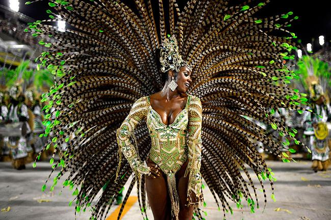 U Riju počeo čuveni karneval