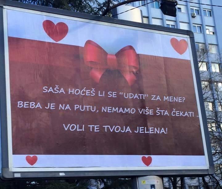 Banjaluka: Na originalan način zaprosila momka (FOTO)