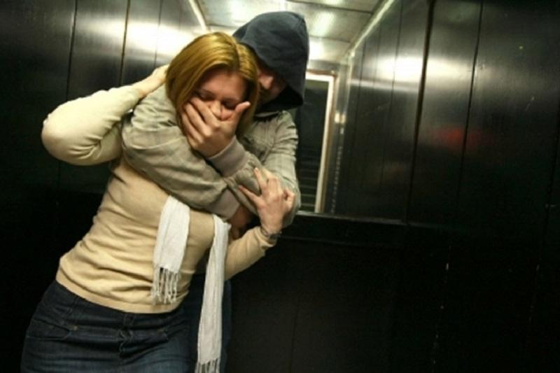 Smederevo: 4 žene vezivao lancima, hranio ih živim mesom i podvodio za 25 KM