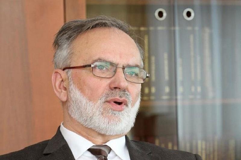 Ministar Malešević: Možda ćemo otvoriti centar za talentovane učenike