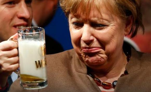 Angela Merkel dala sebi oduška uz pivo (FOTO)
