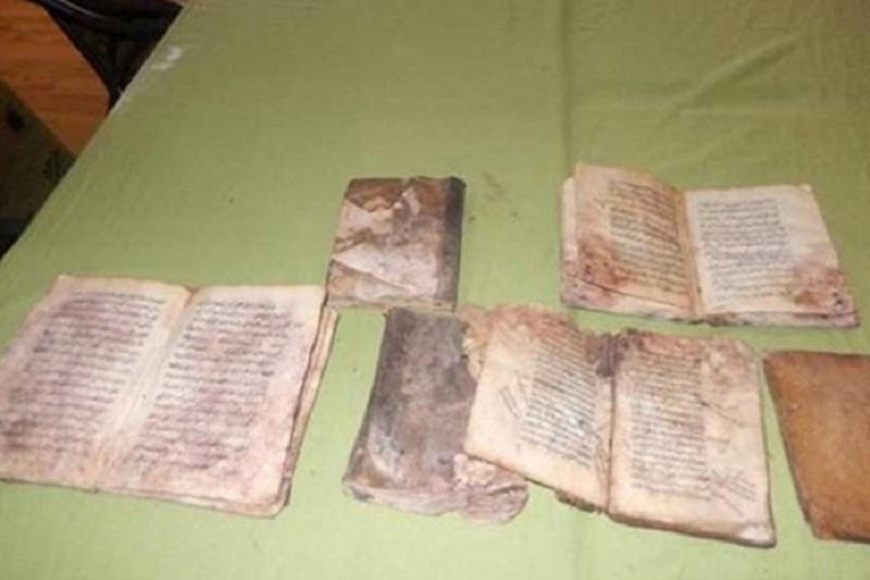 Trebinje: U zidu kuće pronađene stare knjige na arapskom jeziku