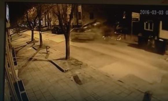 Pijan divljao i oštetio 14 automobila, pa izazvao stravičan sudar (VIDEO)