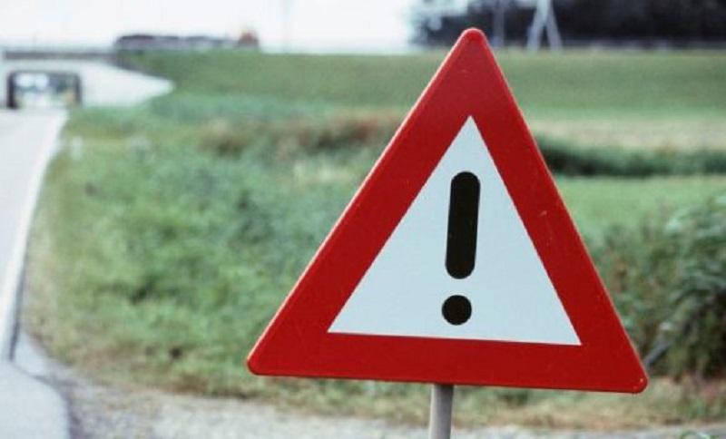 Voda oštetila kolovoz na putu Derventa – Srbac