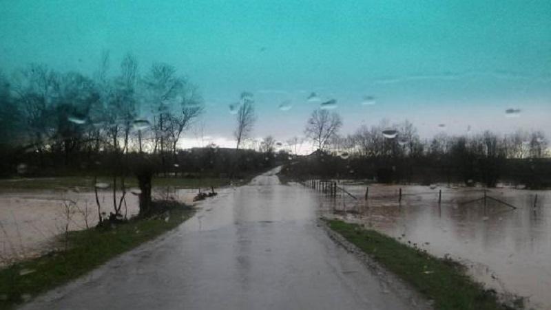 Srbija: Izlile se rijeke, vanredno u više opština (FOTO/VIDEO)