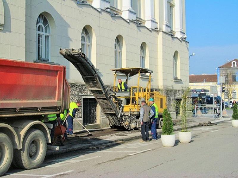 U toku je sanacija gradskih saobraćajnica i pješačkih površina