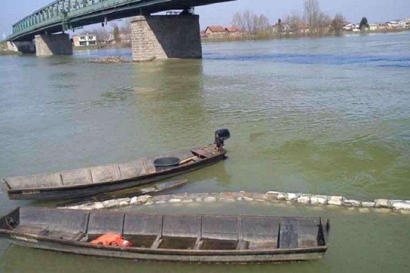 Sava u Gradišci premašila kotu vanredne odbrane od poplava