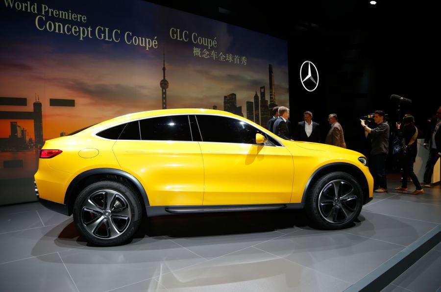 """Vijesti iz Njujorka: """"Mercedes GLC kupe"""" i osvježeni """"GT-R"""""""