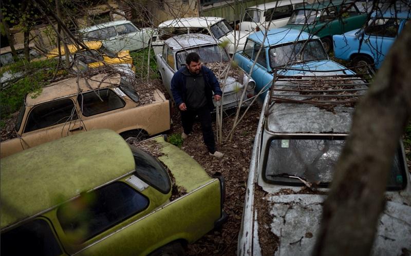 Bugarin ponosni vlasnik kolekcije od 70 Trabanta