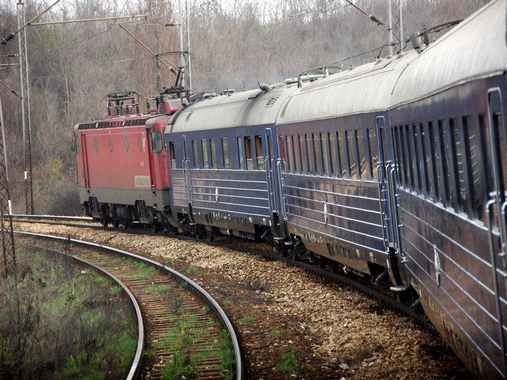 Zavidovići: Muškarca udario voz, životno ugrožen