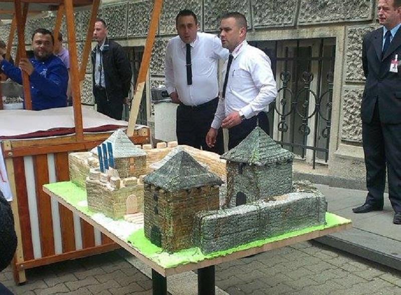 Obilježavanje dana grada, torta u obliku Kastela (FOTO)