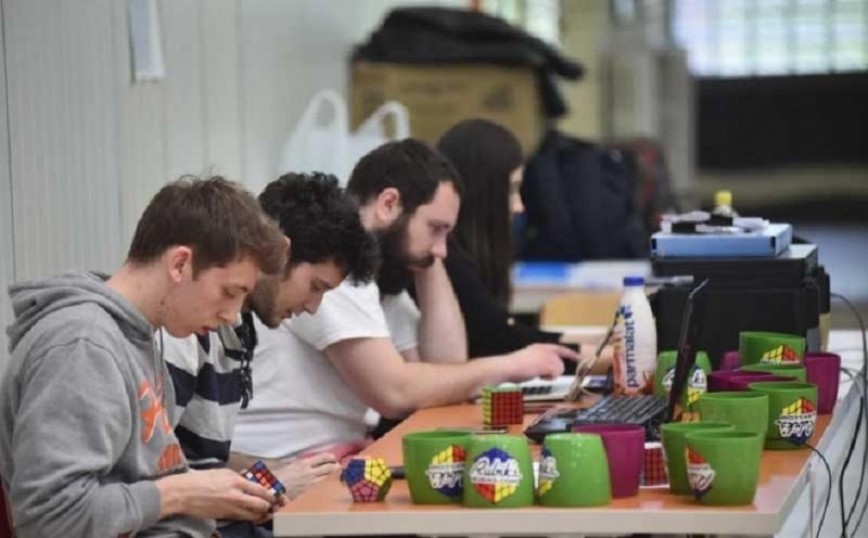 Banja Luka: U Gimnaziji održan međunarodni turnir u slaganju Rubikove kocke