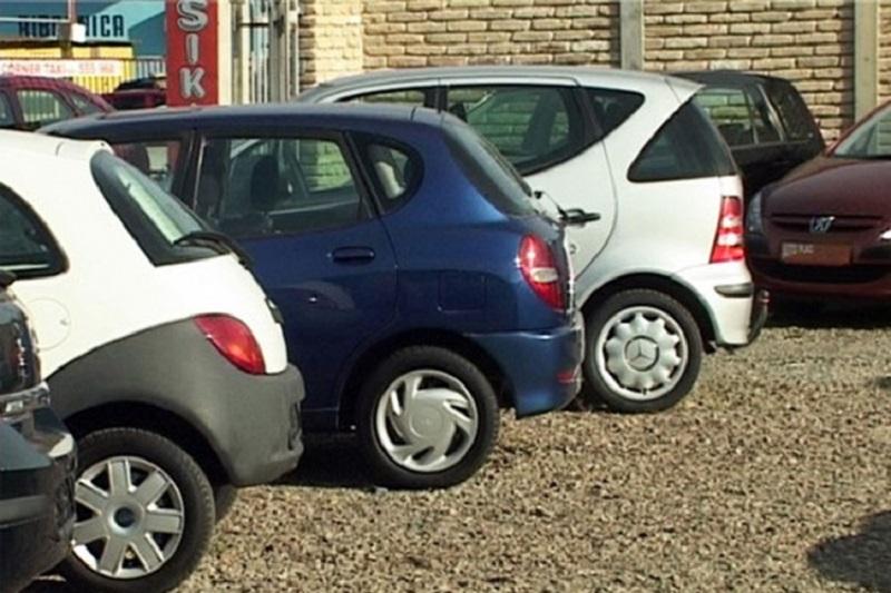 Istočno Sarajevo: Prodao vozila preduzeća i novac zadržao za sebe