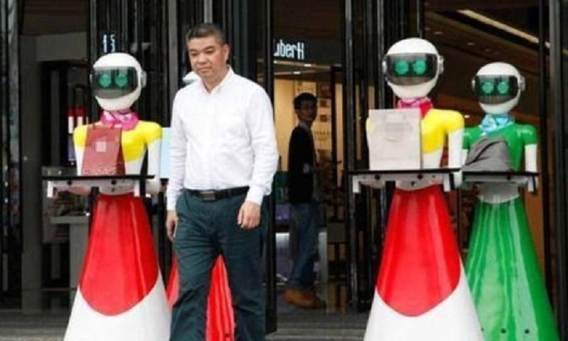 Tajkun poveo robote u kupovinu (VIDEO)