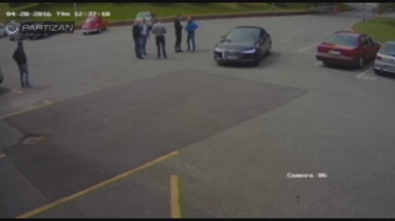 Nemontirani snimak napada na Vazuru i vozača