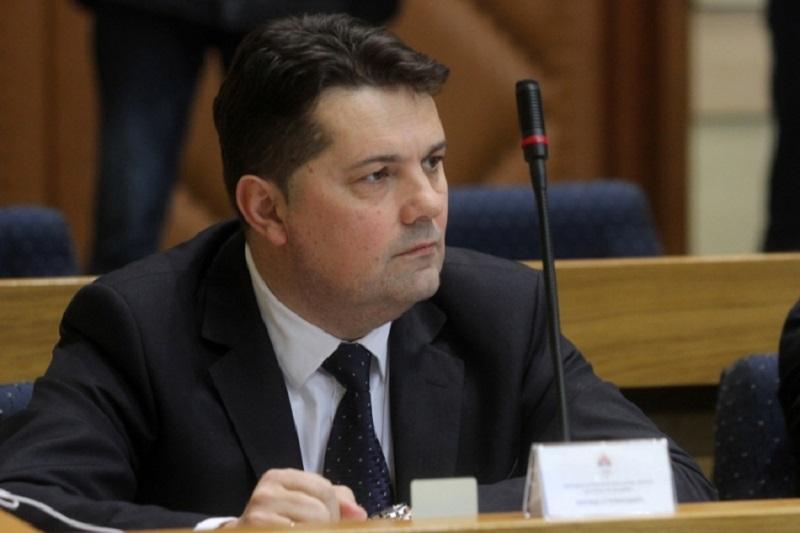 Nenad Stevandić: Protesti i kontra-protesti – 8000 KM protiv 3000 KM