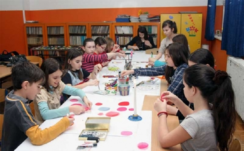 Banja Luka: Osnovci izlažu likovne radove u Muzeju RS
