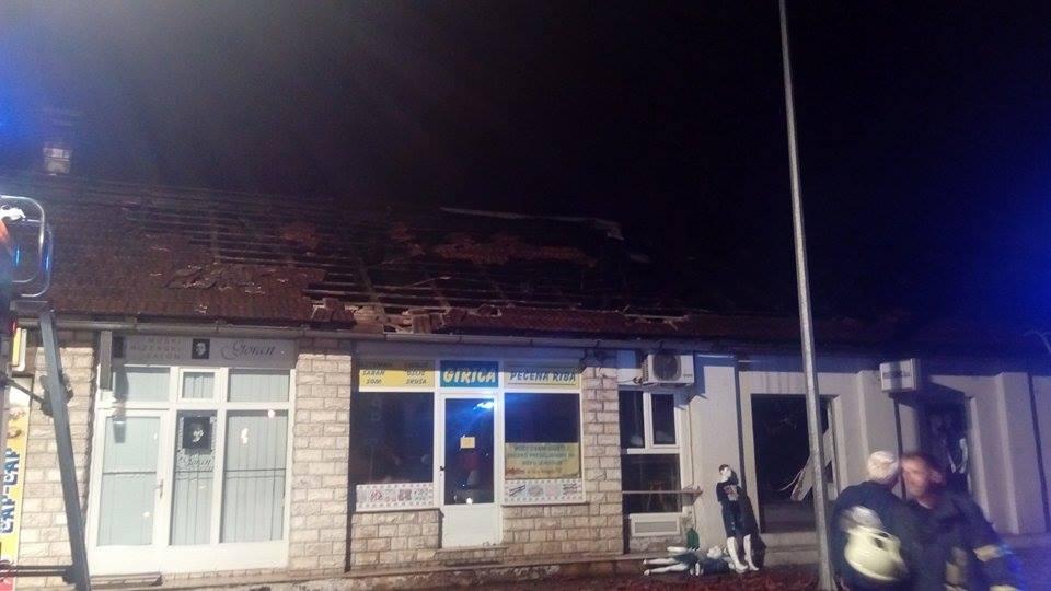 "Požar u centru Banjaluke: Zapalio se krov restorana ""Girica"" (FOTO)"