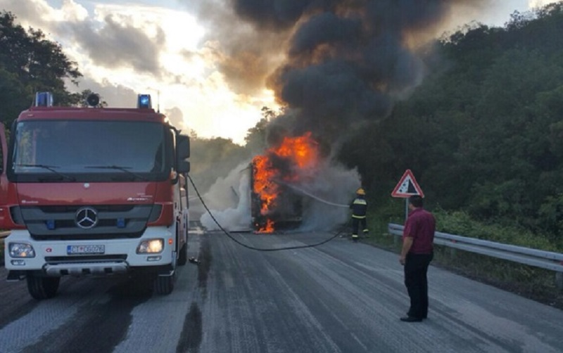 Crna Gora: Zapalio se autobus iz Republike Srpske koji je vozio đake na ekskurziju