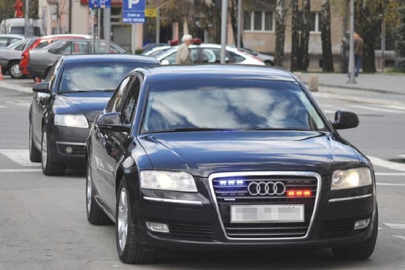 Vozni park Vlade RS: Višak svako peto službeno vozilo