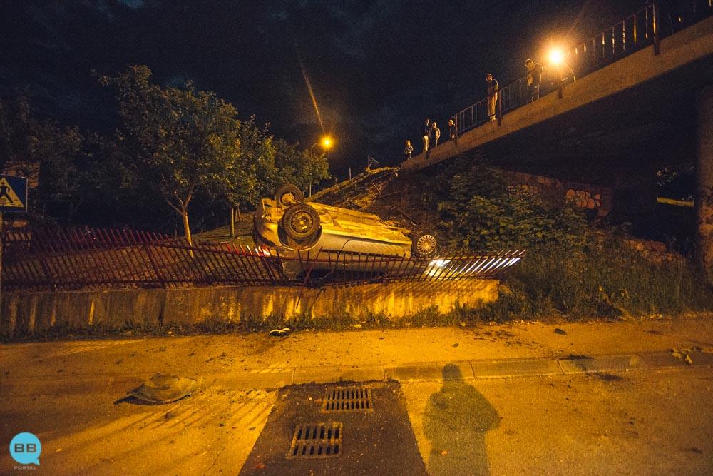 Banjaluka: Pežo sletio sa nadvožnjaka na Paprikovcu (FOTO)