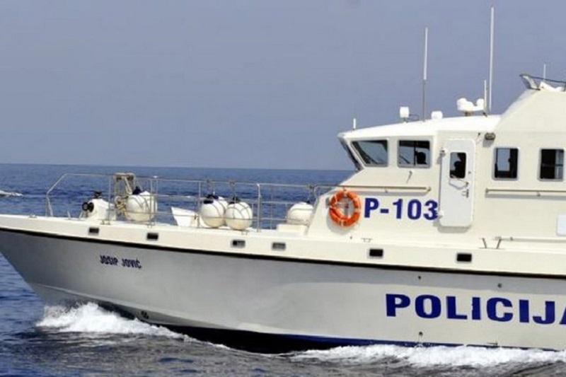 Pula: Potonuo brod, iz mora spašeno 17 osoba