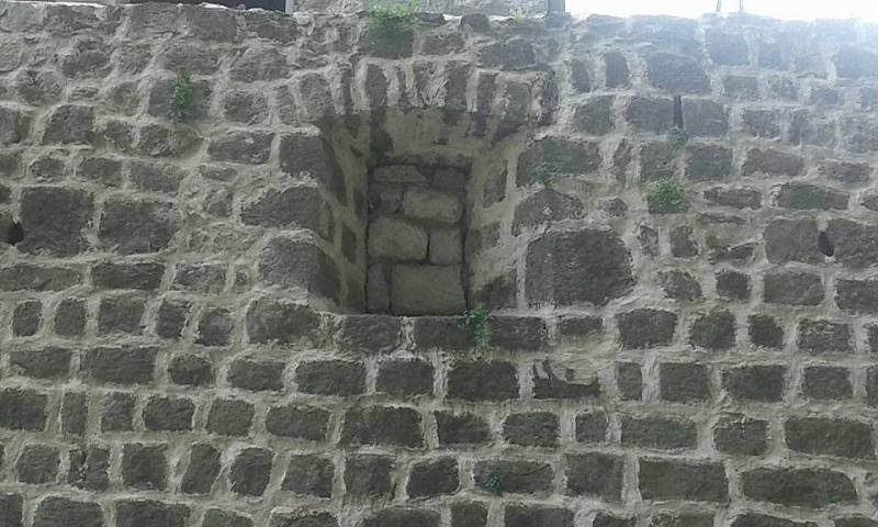FOTO DANA: U Trebinju zazidali otvor za topove na tvrđavi