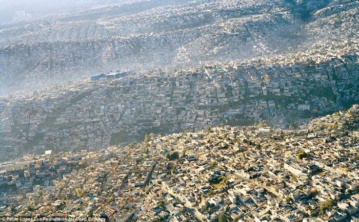 1. Mexico City, prerazvijena metropola s više od 20 miliona stanovnika.