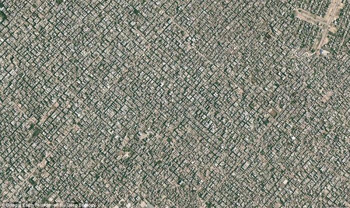 2. New Delhi, velika konurbacija s više od 22 miliona stanovnika.