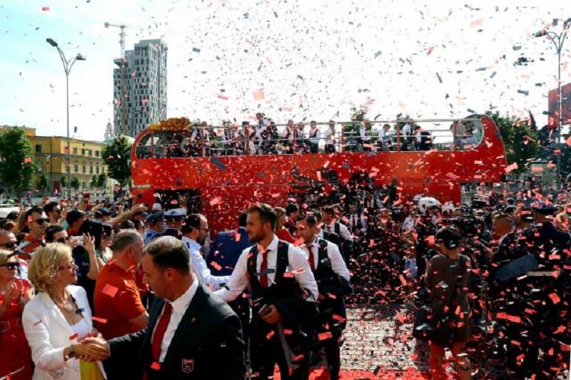 Crveni tepih i milion eura za albanske fudbalere