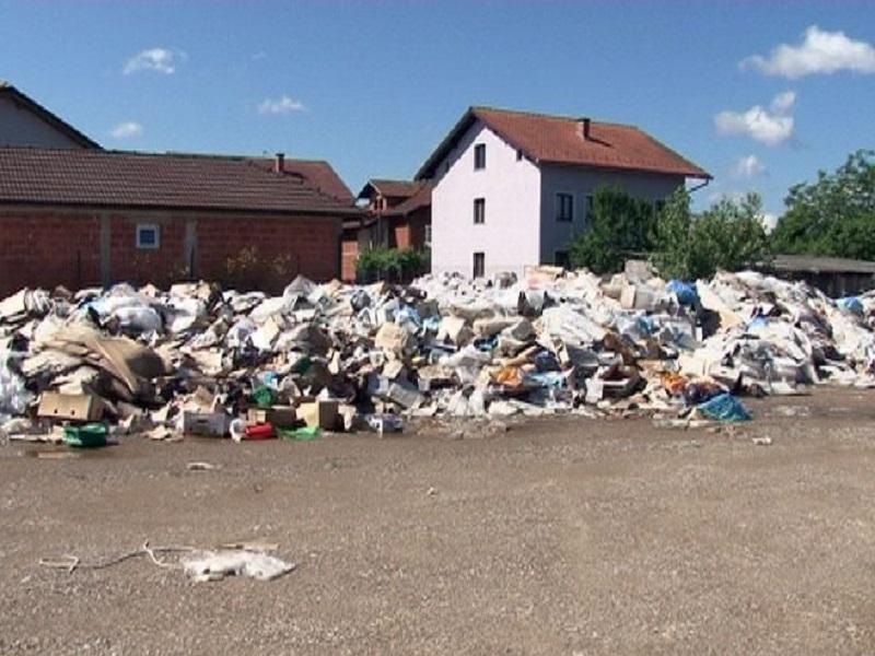 Kozarska Dubica: Građani ogorčeni zbog divlje deponije