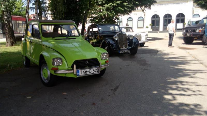 Banja Luka: Izložba automobila ispred Muzeja savremene umjetnosti