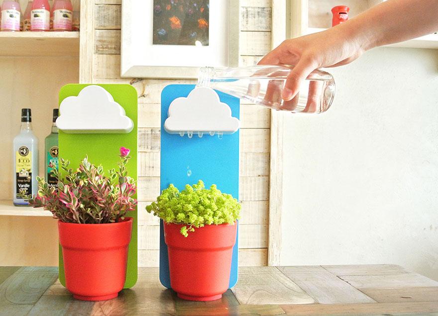 """Tuširanje za vaše biljke uz pomoć """"kišnih saksija"""""""