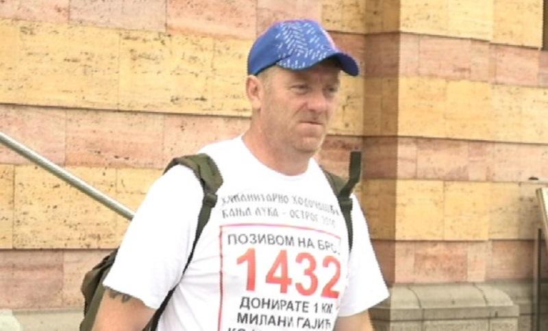 Pješke do Ostroga za pomoć porodici Gajić