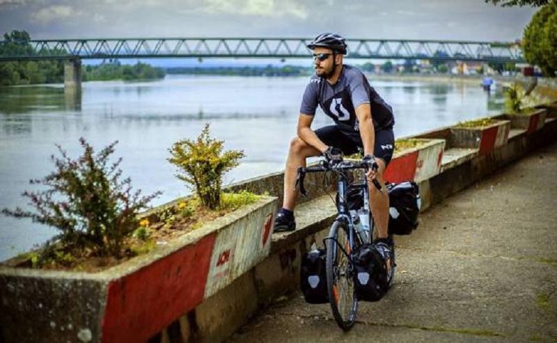 Student biciklom prevalio put od Gradiške do Rima