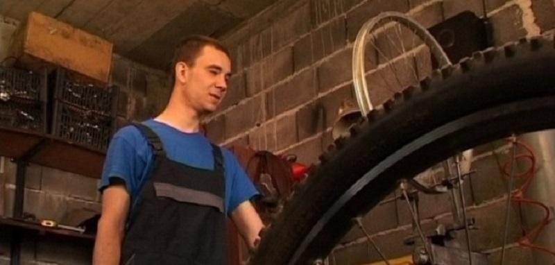 Modriča: Slijepi mladić – majstor za bicikle