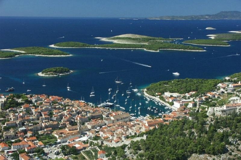 Hrvati prodaju 10 ostrva, cijene od 750.000 do 3 miliona evra