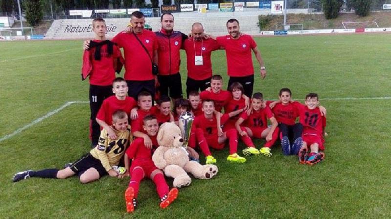 """Mladi fudbaleri """"Rekreativa"""" osvojili turnir u Švajcarskoj!"""