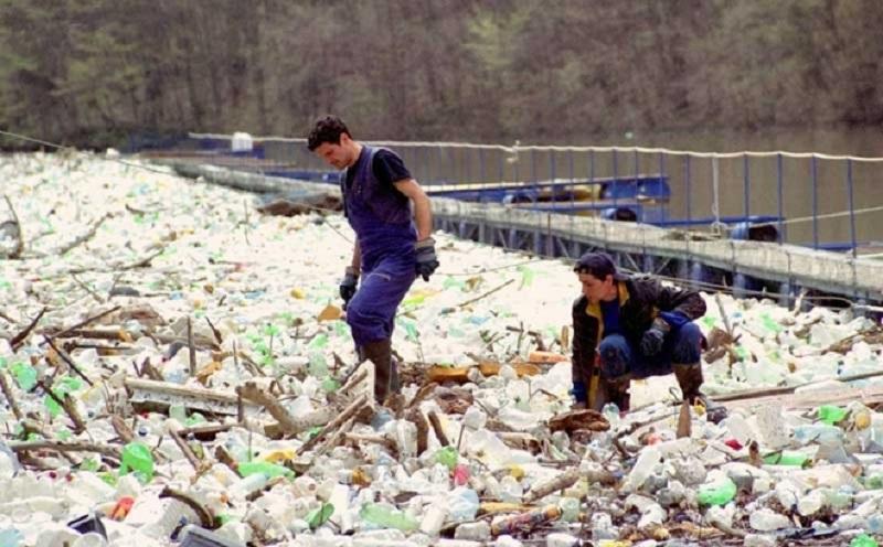 Mreža na Vrbasu zaustavi 10.000 kubika smeća