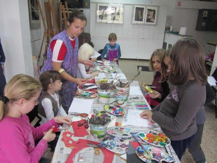 Kolektivna izložba radova polaznika škole crtanja i slikanja za djecu sa i bez invaliditeta