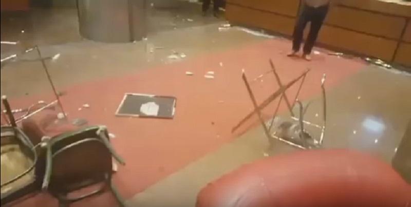 """Pogledajte kako izgleda demolirani Hotel """"Bosna"""" nakon sinoćnje tuče bugarskih i domaćih navijača (VIDEO)"""