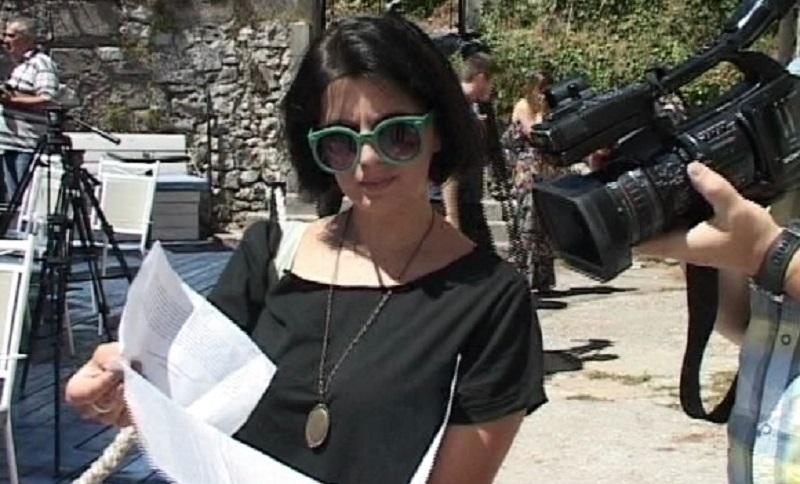 Trebinje: Glumica očistila staru ljetnju pozornicu, gradonačelnik ljut