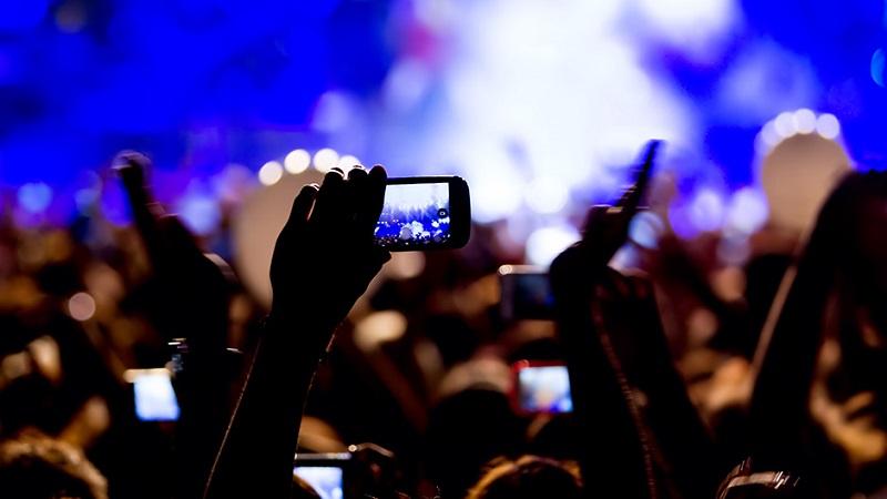 Kamere mobilnih telefona uskoro onesposobljene tokom koncerata